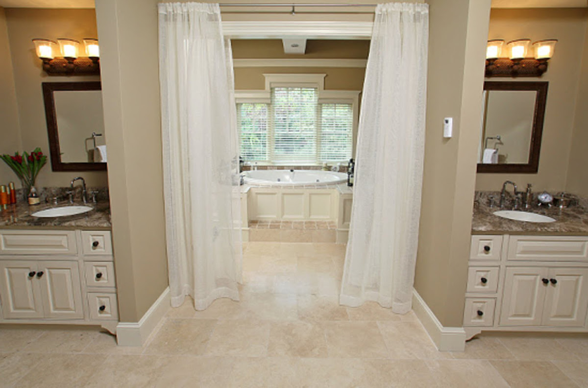 Column: The benefits of a 'Jack and Jill' bathroom