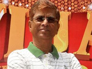 Vijay Demanded Big Director Heroine For Tuppakki