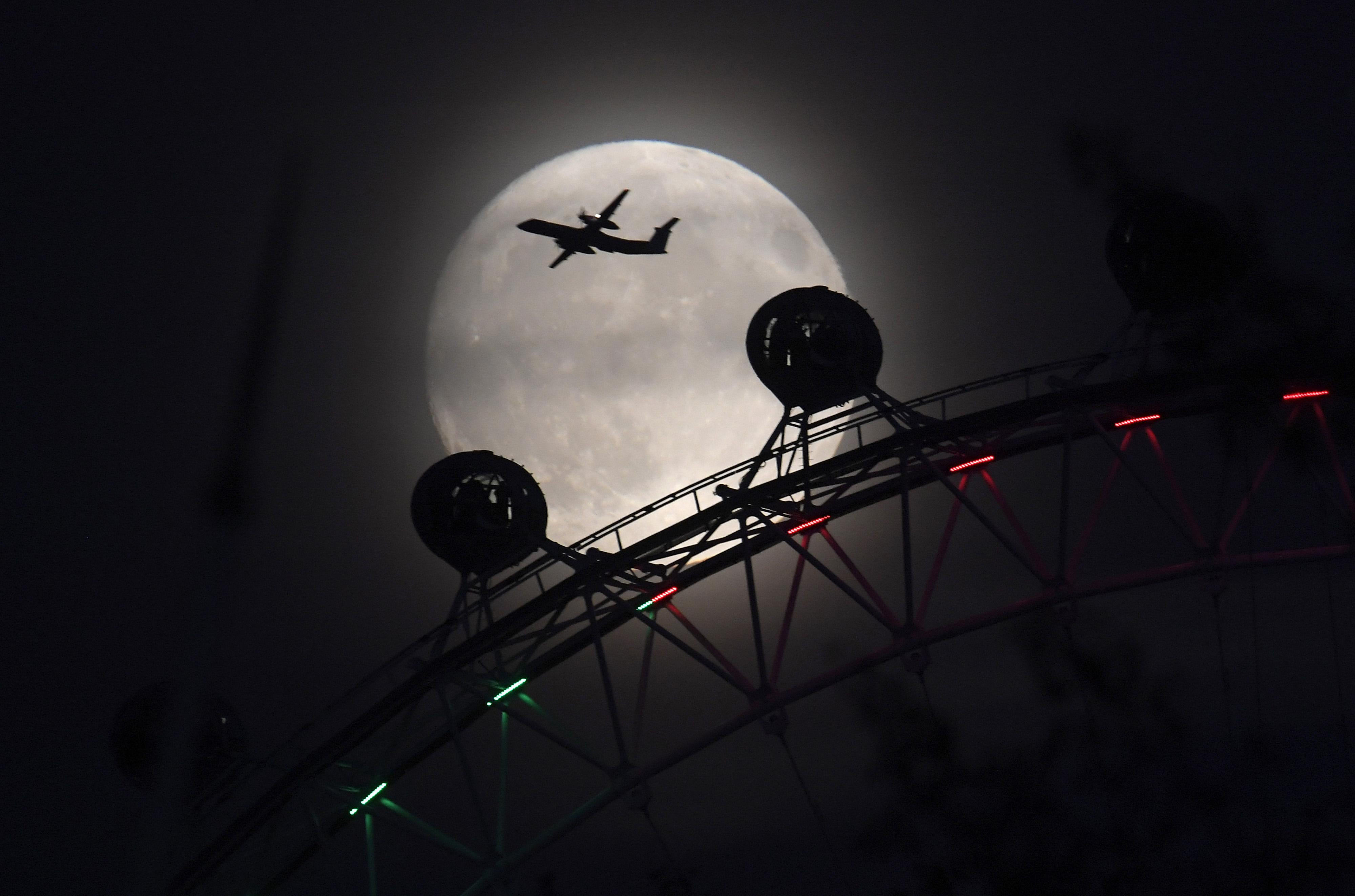 london eye supermoon