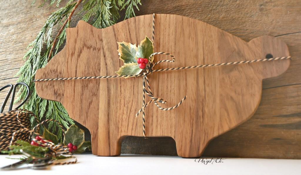 Christmas-gift-DIY-Cheese-board-VinyetETC