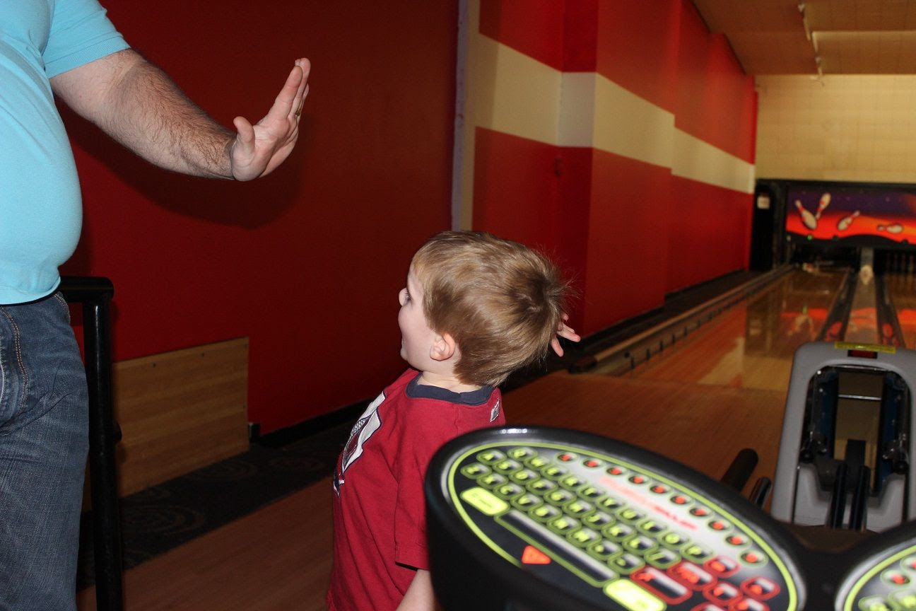 photo bowling17_zpse217ar9e.jpg