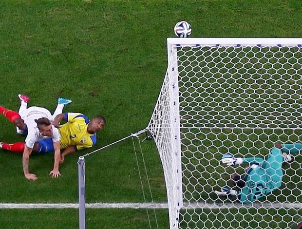 Griezmann Equador x França (Foto: Reuters)