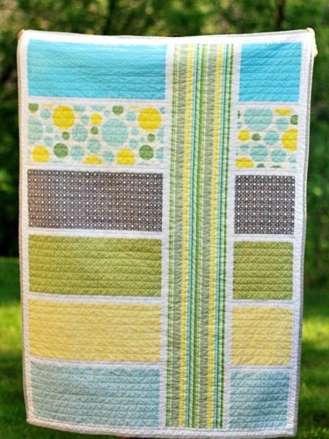 Modern baby quilt: fun design to make a quilt