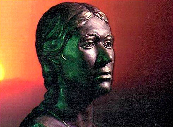 Sculpture of Ukok mummy as artists imagined her