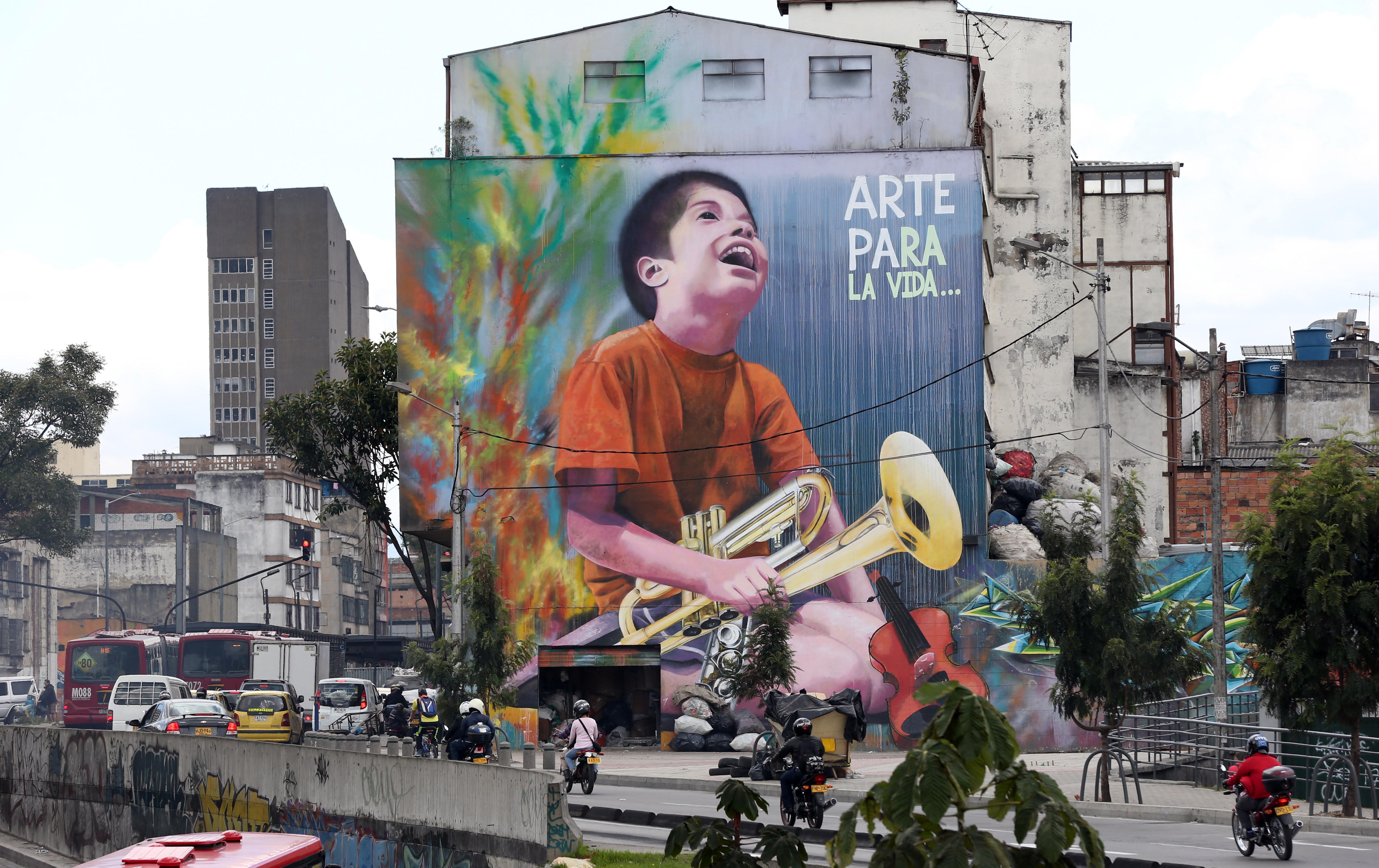 Vibrantes Murales Cambian El Rostro A Bogota Una Ciudad Gris Como