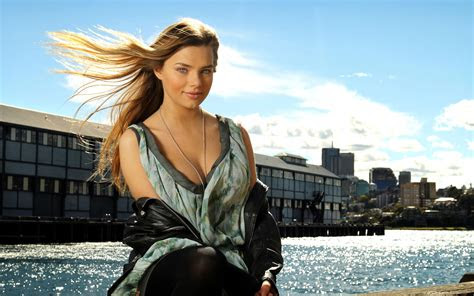 indiana evans sexy girl    hd wallpapers