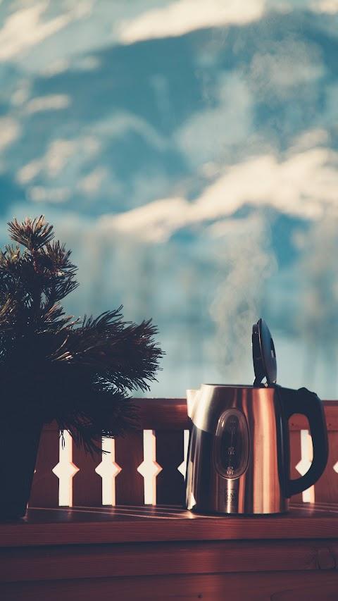 أجمل خلفية في العالم بدقة عالية hd لشرفة على الجبال مع قهوة ايفون كلاكسي