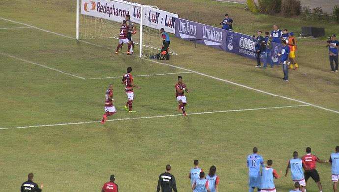 Alex Sandro, atacante do Campinense (Foto: Reprodução /TV Paraíba)