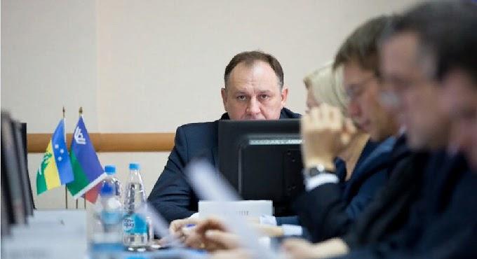 Гузка жим-жим? Зачем Максиму Ряшину нужны выборы главы столицы Югры простым большинством депутатов Думы?