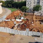 עיריית רחובות הוציאה צו הפסקת עבודה לאתר הבנייה ברחוב דולינסקי לאחר שקיר הדיפון באתר קרס - BE106