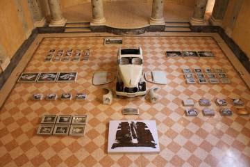 Instalación de 'Unfinished Father', Fotografia Europea, Reggio Emilia, Itallia, 2015