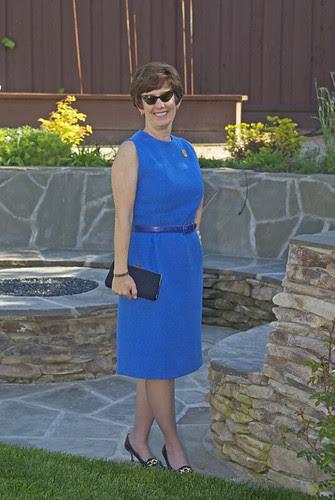 Blue vintage dress, with vintage sunglasses