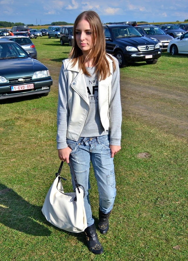 topshop faux leather biker vest jacket white destroyed jeans biker boots mango paris boutique sweater outfit outfitpost turn it inside out belgium fashion blogger scottish weekend alden biesen
