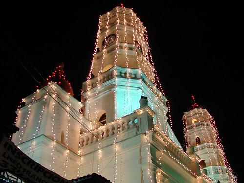 ENVIGADO Luces en la Iglesia by laloking97