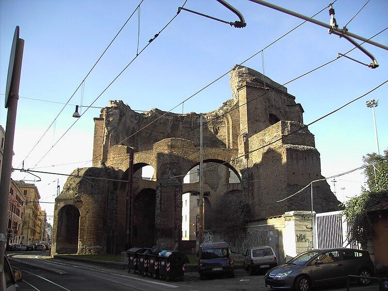 File:Esquilino - tempio di Minerva medica - Horti liciniani 2055.JPG