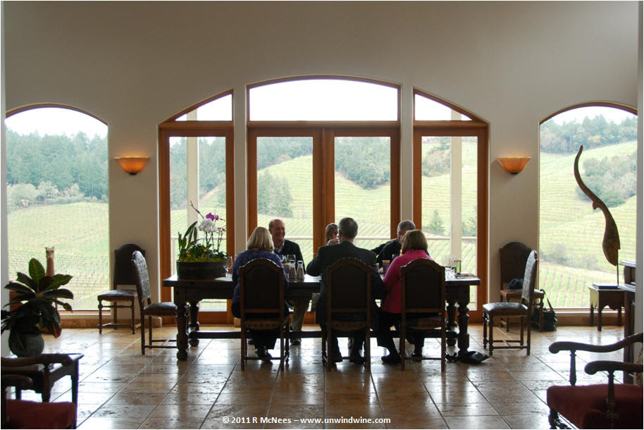 http://mcnees.org/winesite/napa/napa-2011/diamond-creek/napa-2011-diamond-creek-tasting-room_remc.jpg