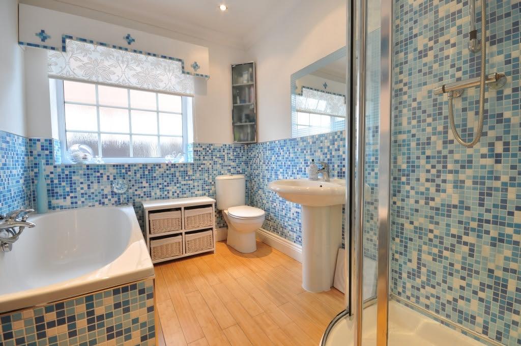 Colourful Blue Bathroom Design Ideas, Photos & Inspiration ...