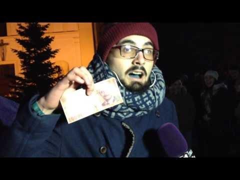 VIDEO Trei mii de suceveni au protestat joi seară. Două tentative de ajunge la sediul PSD, jandarmii s-au opus