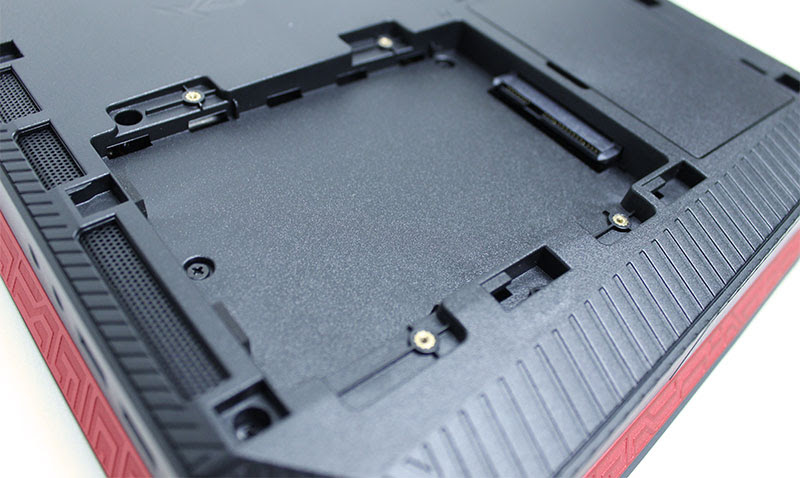 The drive expansion bay holds an additional 2.5-inch SSD or HDD.