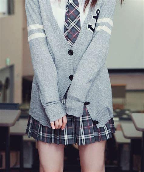 wear school uniforms   outfits school aesthetic