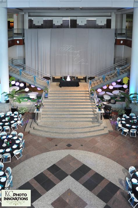 The Rotunda at Town Pavilion   Kansas City Wedding Venues