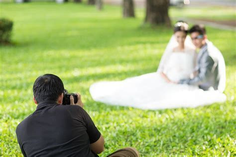 How to Select a Wedding Photographer