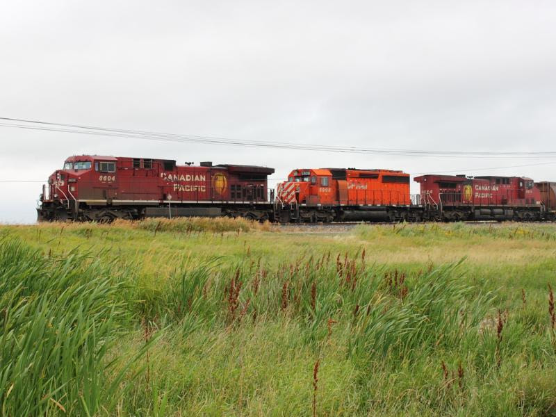 CP 8604 5908 and 9614 in Belle Plaine