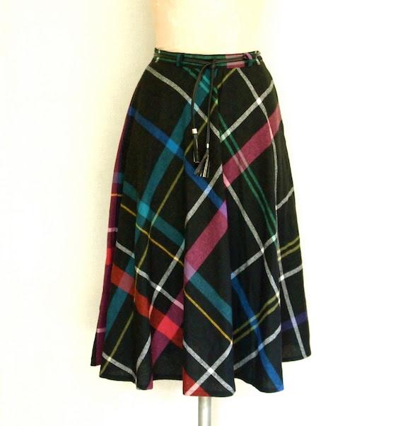Vintage 1970s Plaid Tartan skirt // 70s high waist pocket skirt