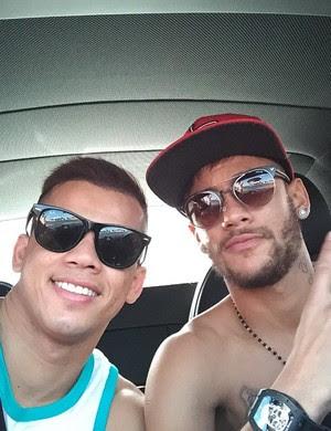 Neymar e amigo (Foto: Instagram)