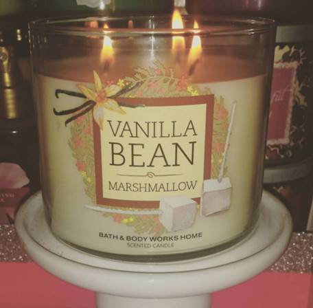 Bath & Body Works Vanilla Bean Marshmallow Candle Review ...