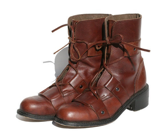 sz 7.5 brown leather lace up ankle boots