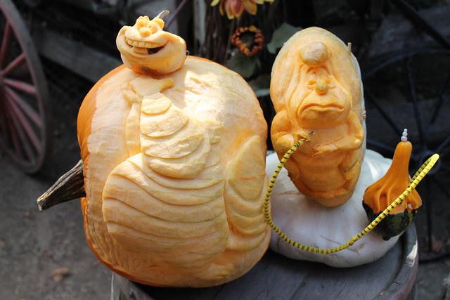 Cheshire Cat and Caterpillar Pumpkins at Big Thunder Ranch Halloween Round-Up