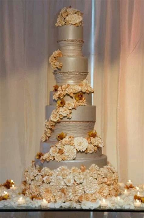 Tall wedding cake   Inspiration   Wedding Cakes & Desserts