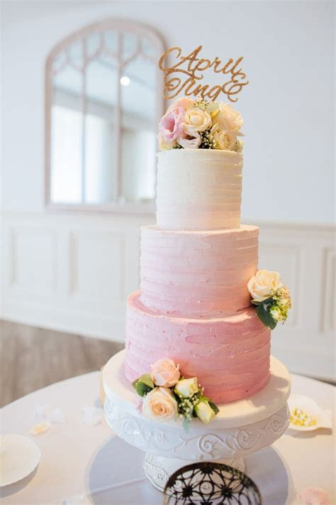 Best 25  Buttercream wedding cake ideas on Pinterest