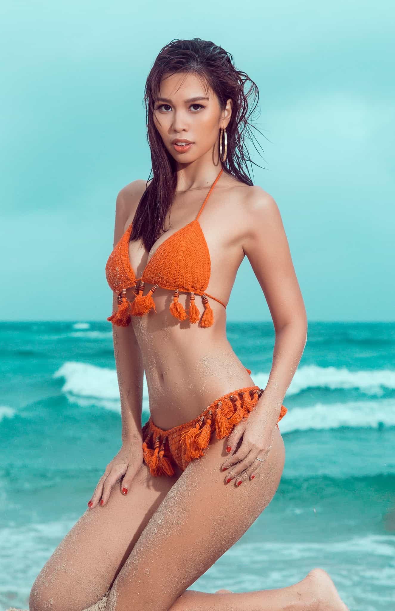 """Hà Anh mặc bikini gợi cảm """"áp đảo"""" hoa, á hậu quốc tế - 1"""