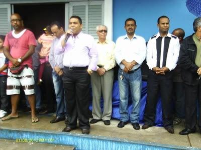 Prefeito discursa durante Evento Cívico (Foto: Divulgação)