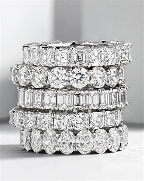 Brilliant Emerald Cut Diamond Eternity Ring in Platinum (4