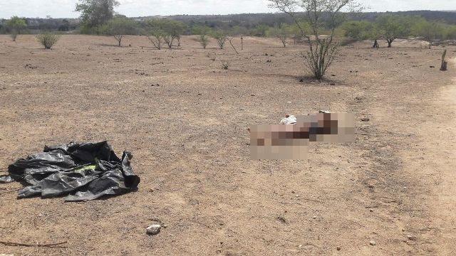 Ex-funcionário da prefeitura de Rafael Jambeiro é assassinado com mais de 30 tiros em Feira
