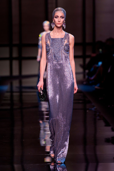 http://www4.pictures.stylebistro.com/it/Armani+Prive+Spring+2014+-ApRWOIyDtpl.jpg