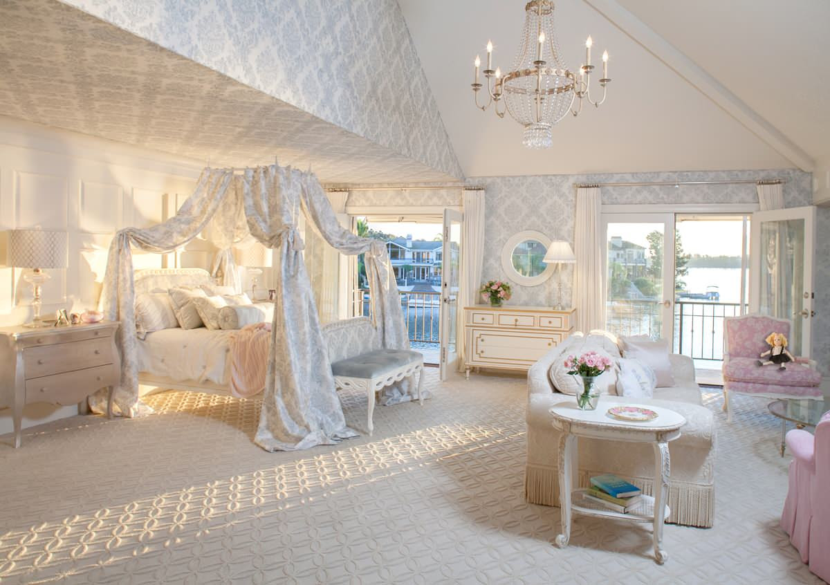Fit for a Princess: Decorating a Girly Princess Bedroom ...