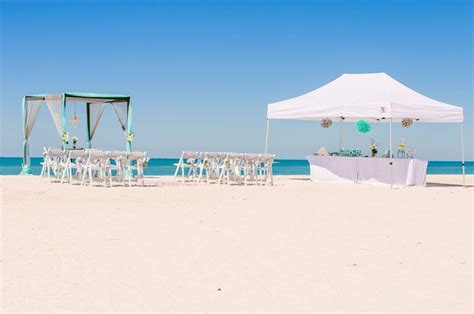 Falling Into Forever   Sun & Sea Beach Weddings