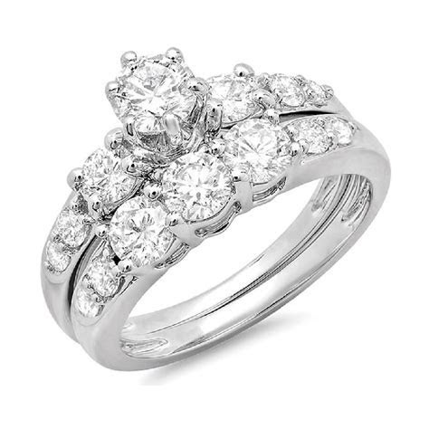 2.00 Carat (ctw) 14k Gold Round Diamond Ladies 3 Stone