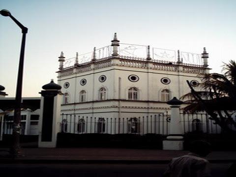 QUELIMANE - mesquita_resize.JPG