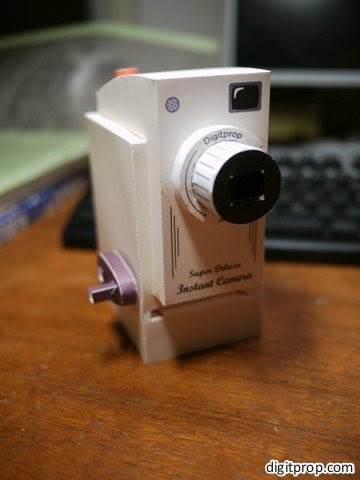 Digitprop Instant Camera Papercraft