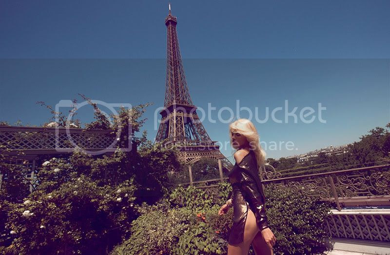 paris,black,floaty,blonde,eiffel tower