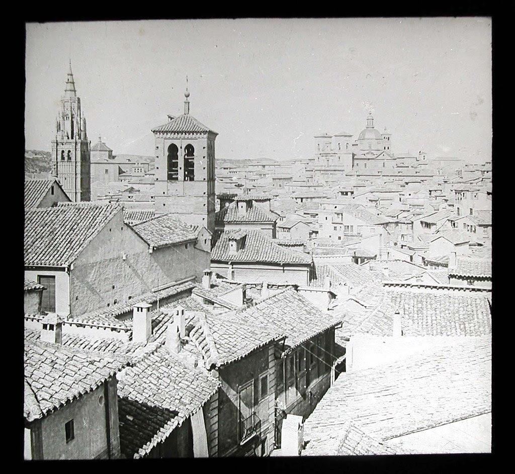 Iglesia de la Magdalena a inicios del siglo XX. Ateneo de Madrid