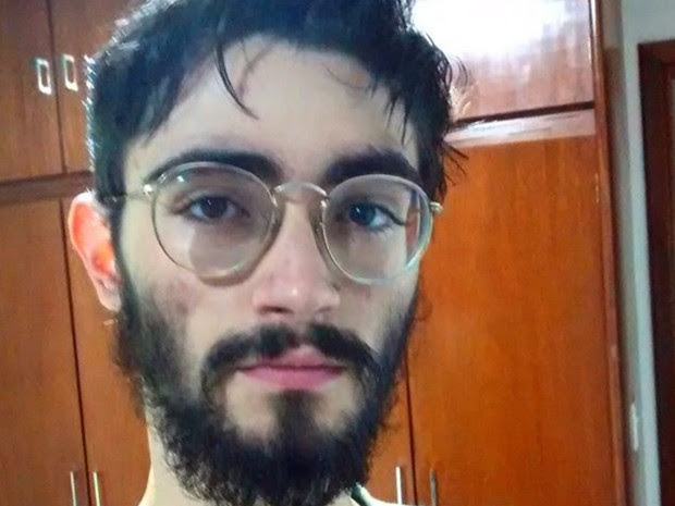 Jovem Guilherme Silva Neto foi perseguido antes de ser morto a tiros pelo pai, diz delegado  em Goiás (Foto: Reprodução/Facebook)