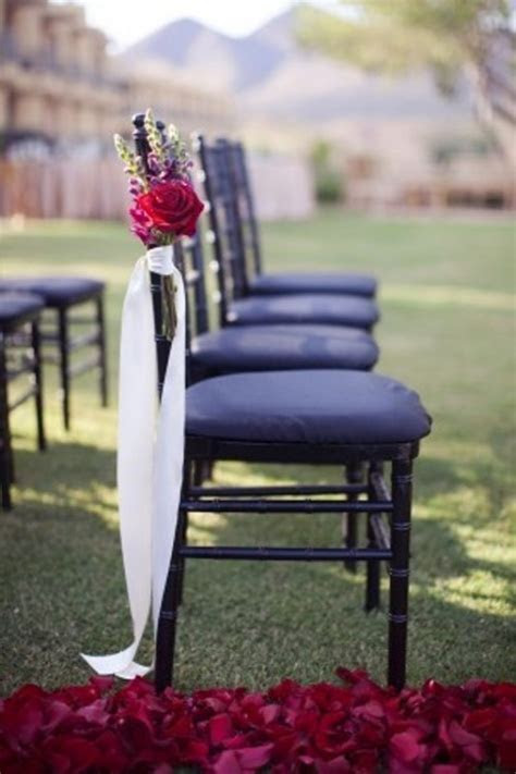 30 Ideas Of Chair Decor With Pretty Floral Swags And