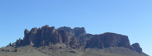 superstition_mountain