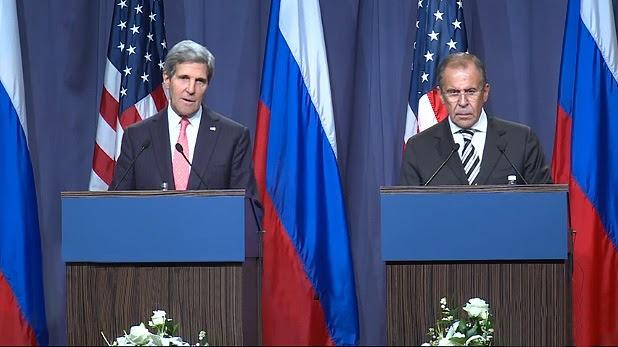 El canciller ruso, Serguéi Lavrov y el secretario de Estado de EEUU, John Kerry